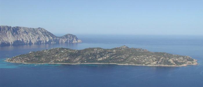 isola di molara vista dall'alto