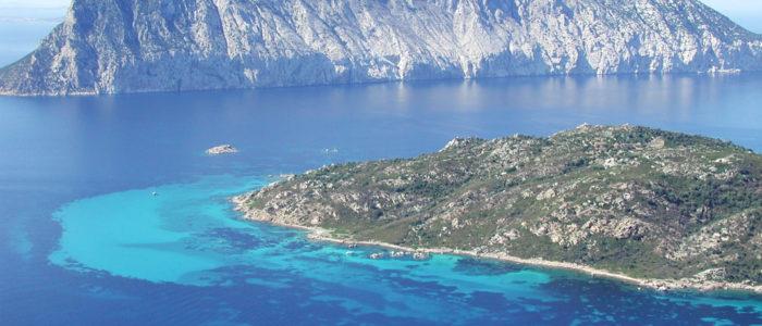 Isole di tavolara e molara dall'alto